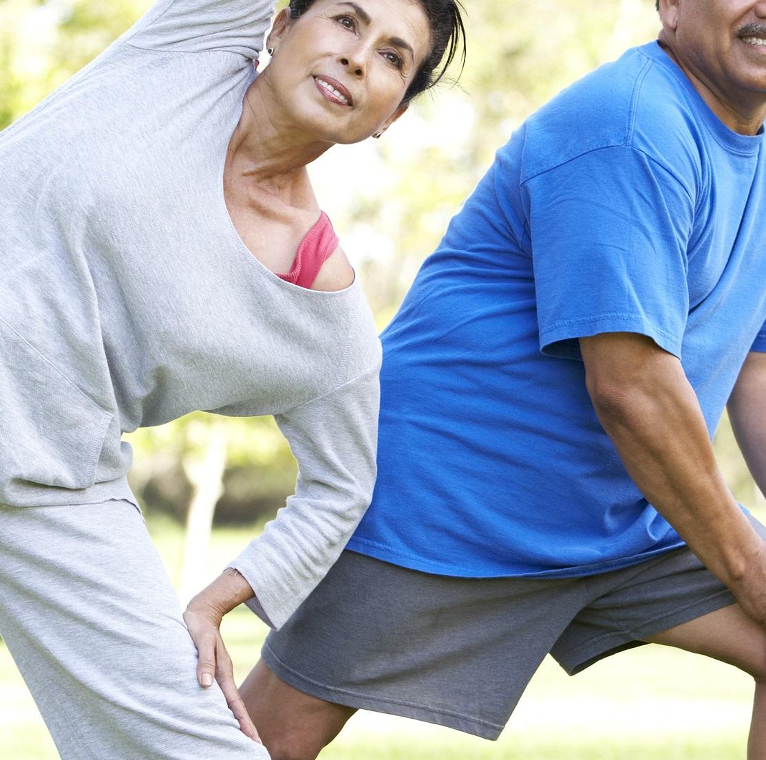 Exercícios físicos para prevenir quedas e fraturas em idosos na quarentena